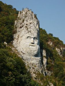 Fun-Romania-Facts-Decebalus-statue-225x300
